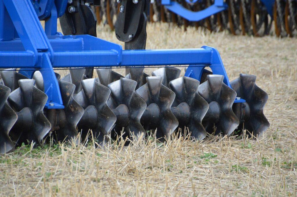 Brona rotacyjna - popularne narzędzie uprawowe